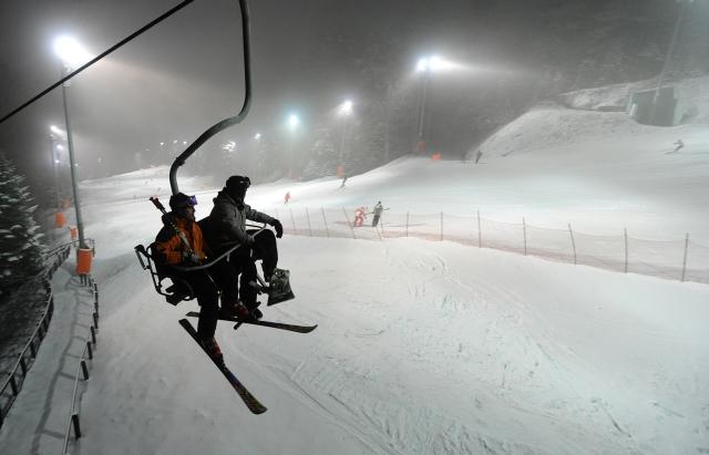 Zagreb, 24.01.2012 - Nocno skijanje na Sljemenu otvoreno je za sve gradjane