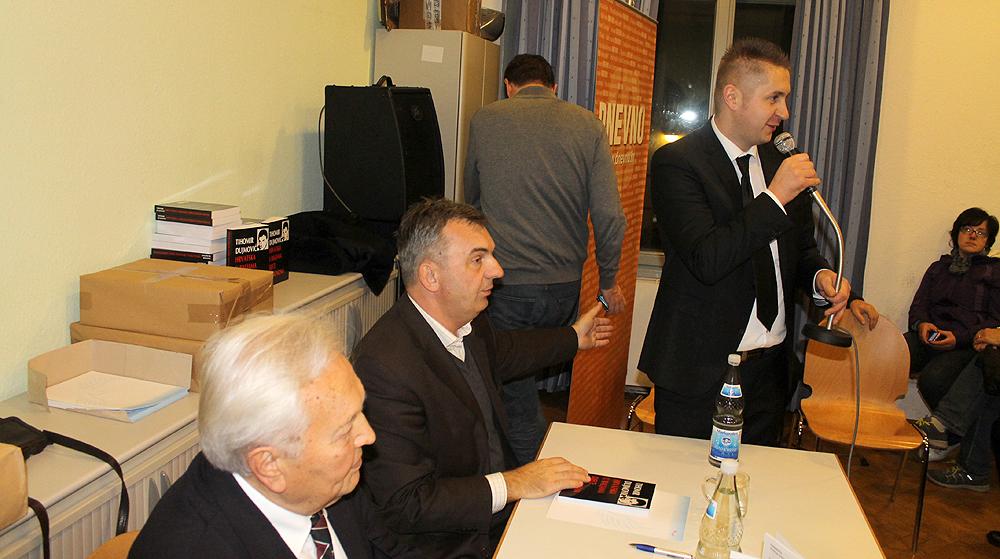 Dujmovic na tribini foto Zoran Paskov