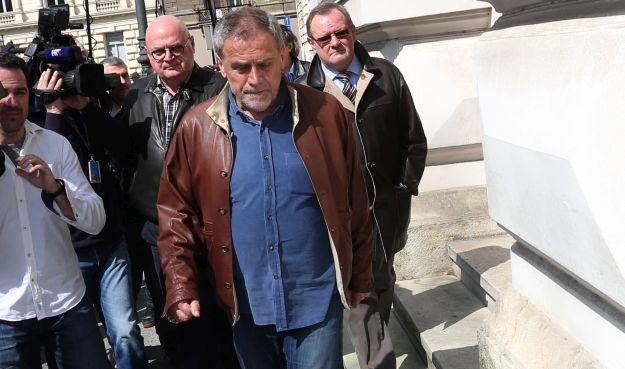 Milan Bandiæ u pratnji odvjetnika dolazi na Županijski sud u Zagrebu