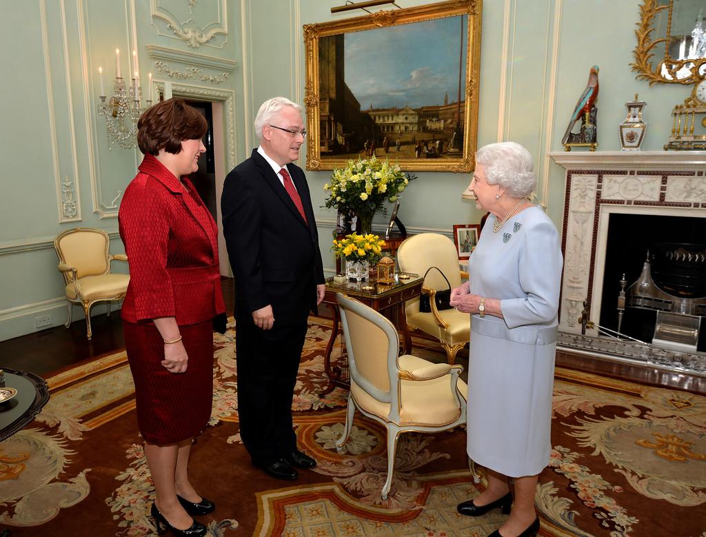 Queen+Elizabeth+II+Receives+Croatian+President+ug0oOeNxx6Jx