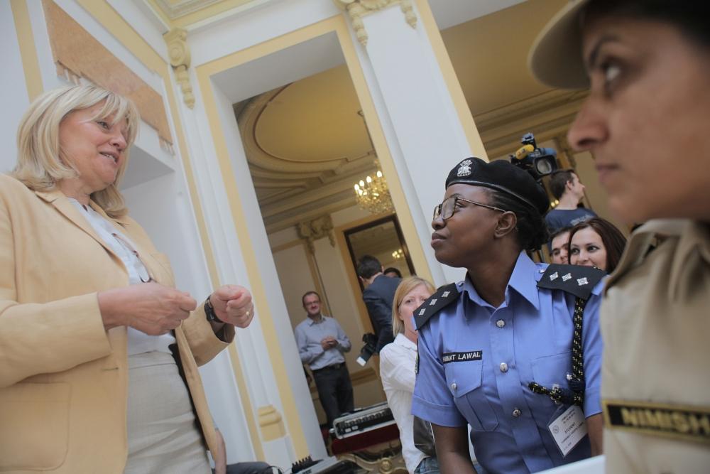 Ministrica Vesna Pusiæ sastala se  s policijskim službenicama iz sedam afrièkih i azijskih država koje u Hrvatskoj sudjeluju na dvotjednom meðunarodnom teèaju