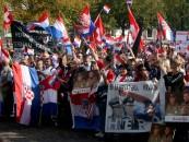 PROSVJED ISPRED BRITANSKOG VELEPOSLANSTVA U BERLINU