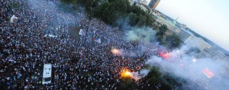 50 000 LJUDI DOČEKALO MLADU REPREZENTACIJU SRBIJE