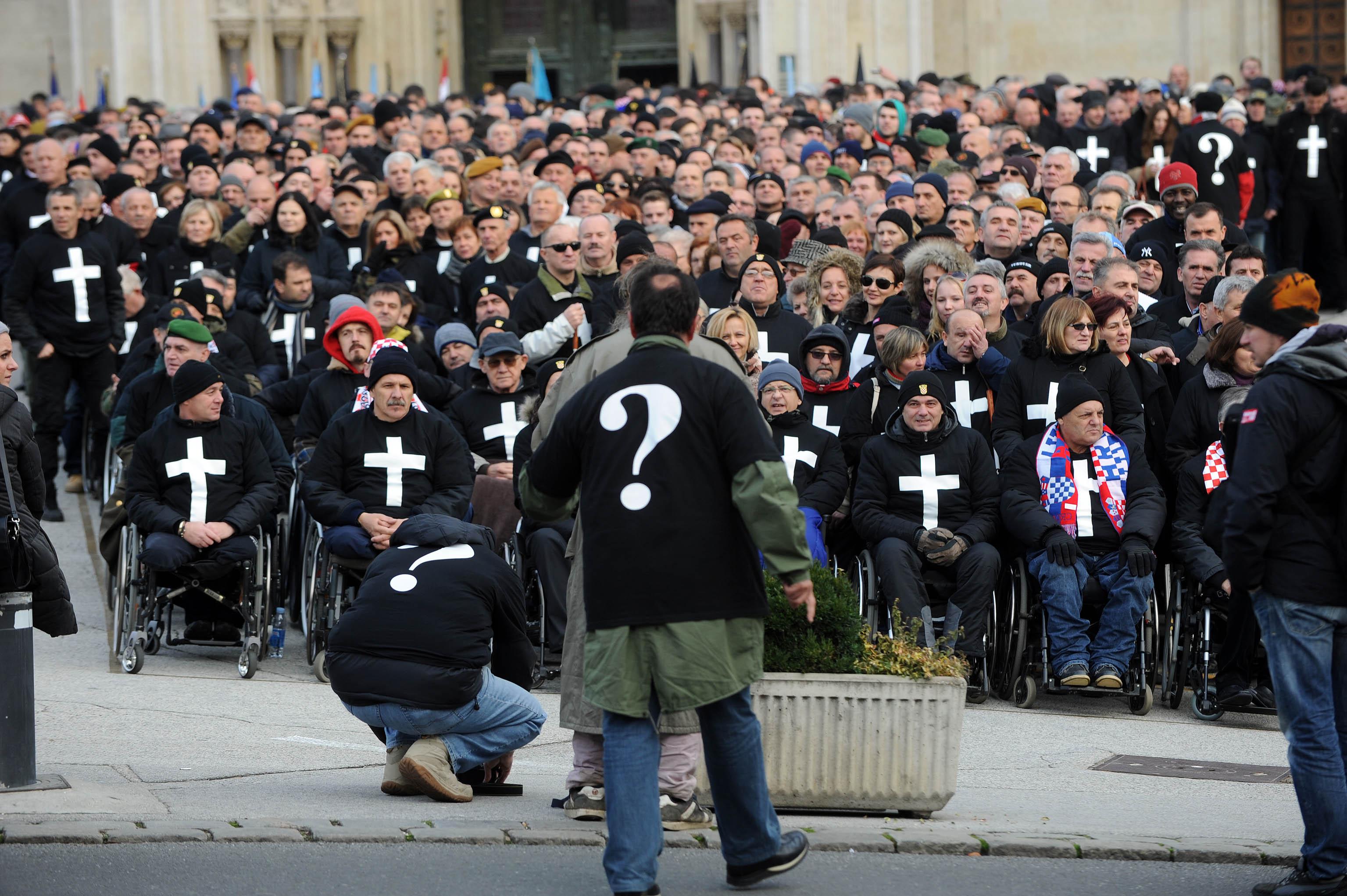 O-braniteljima-na-redovnoj-sjednici-Sabora-prosvjednici-ostaju-u-Savskoj