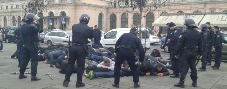 POLICIJA NIJE POKAZALA HLADNO ORUŽJE ODUZETO OD TORCIDAŠA
