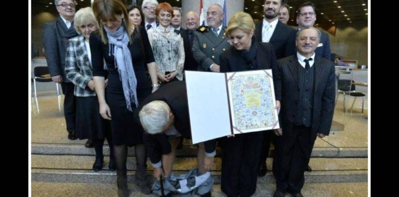 ČUDNA POLITIČKA LJUBAV PREDSJEDNICE I ČIČKA